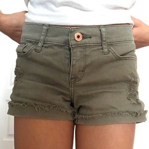 abercrombie kids Bottoms - (Army green shorts) (size 9/10 kids)